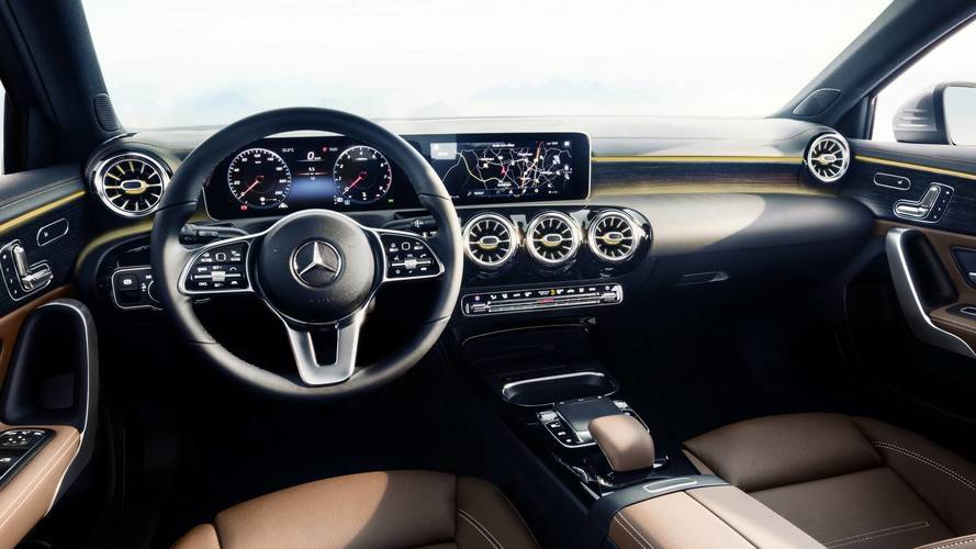 new mercedes a class 2018 reveals its high tech interior. Black Bedroom Furniture Sets. Home Design Ideas