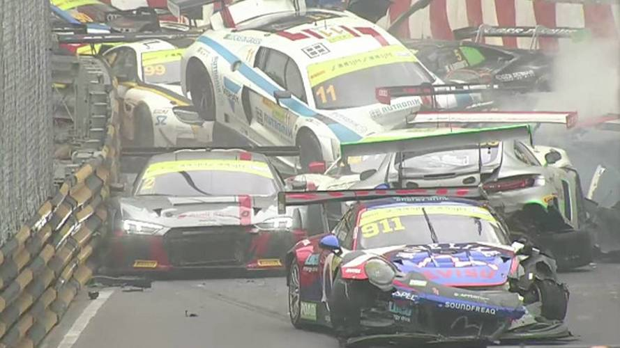 Macau GT Qualifying Race Suspended After Huge Pileup