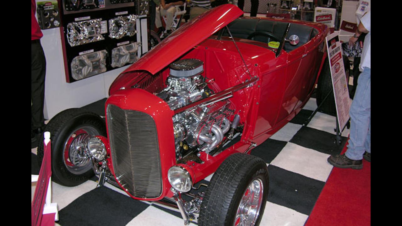 Noch ein sehr rüstiger alter Herr: Ford Roadster von 1932