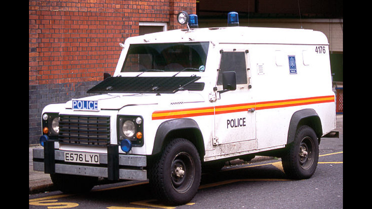 Defender 110 Armoured Police Vehicle