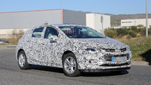 2017 Chevrolet Cruze hatchback spy photo