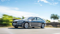 BMW 7-Series detailed in new mega gallery (350 photos)