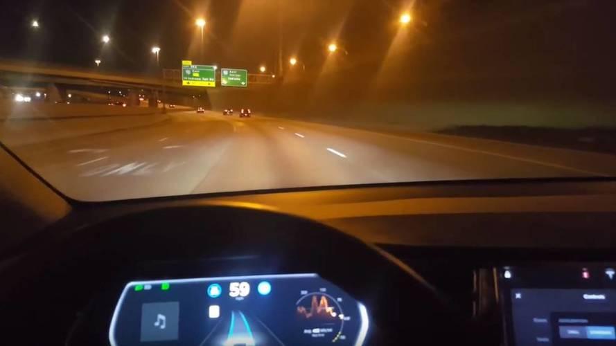 VIDÉO - Un conducteur reproduit l'accident du Tesla Model X
