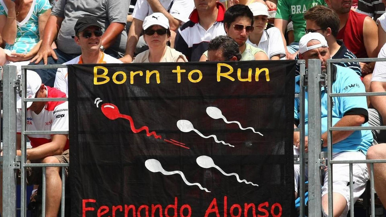 Fernando Alonso (ESP), Renault F1 Team flag and banner - Formula 1 World Championship, Rd 6, Monaco Grand Prix, 23.05.2009 Monte Carlo, Monaco