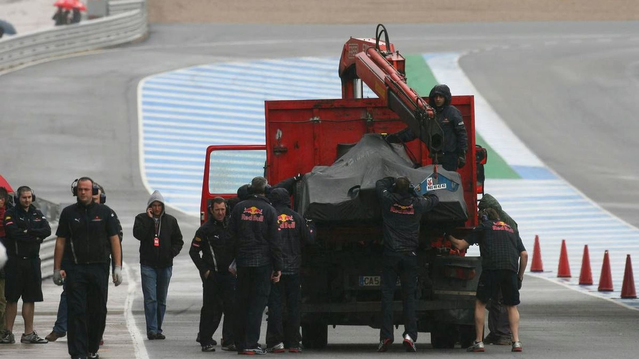 Mark Webber (AUS), Red Bull RB6 car brought back to the pit lane, Jerez, Spain, 10.02.2010