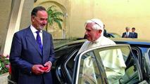 VW Phaeton Presented to Pope Benedict XVI