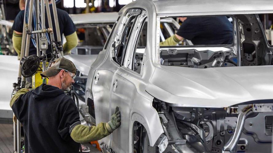 GM Could Cut 1,100 Jobs Amid Worst Sales Slump Since 2009