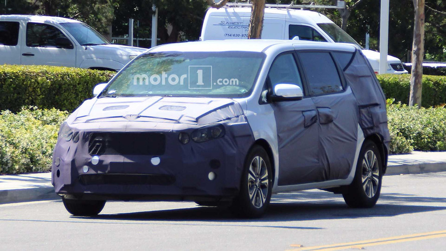 Kia Sedona Spied With Updates To Take On Odyssey, Pacifica