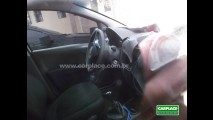 Novo Fiat Siena: Leitor flagra novo sedan camuflado - Veja fotos também do interior
