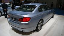 BMW 5-Series ActiveHybrid live in Tokyo - 30.11.2011