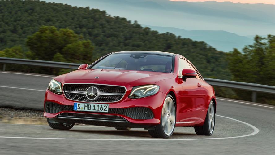 Mercedes-Benz E 300 Coupé desembarca em outubro por R$ 390.900