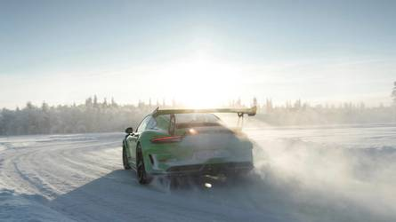 2018 Porsche 911 GT3 RS: Full specs, gallery and ride impressions