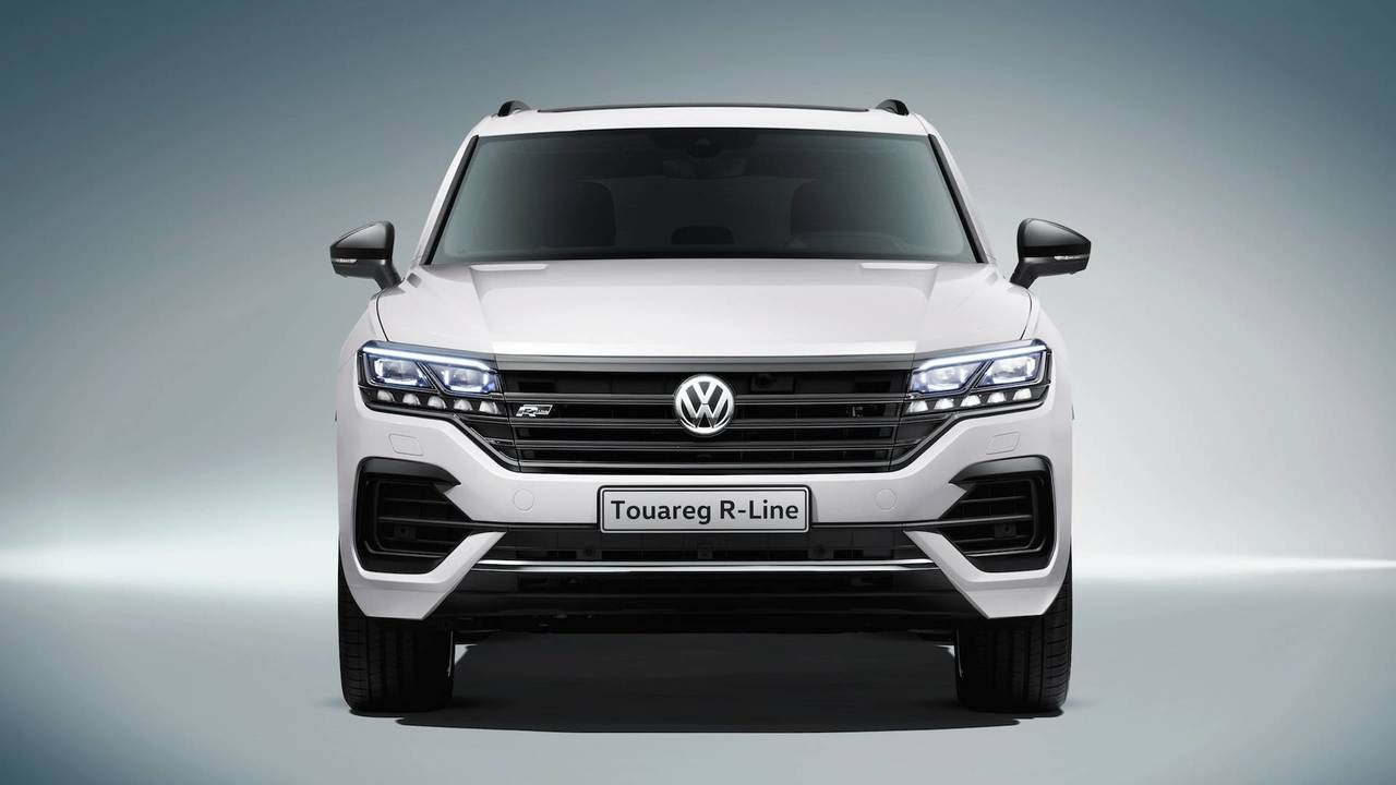 2019 vw touareg see the changes side by side. Black Bedroom Furniture Sets. Home Design Ideas
