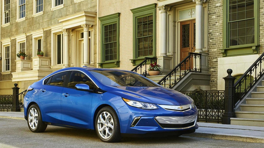 2016 Chevrolet Volt priced from $26,495 after applying $7,500 federal tax credit