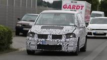 2015 Volkswagen Touran spy photo