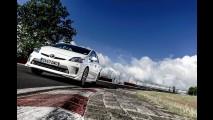 Veja um Toyota Prius quebrando recorde no circuito de Nürburgring