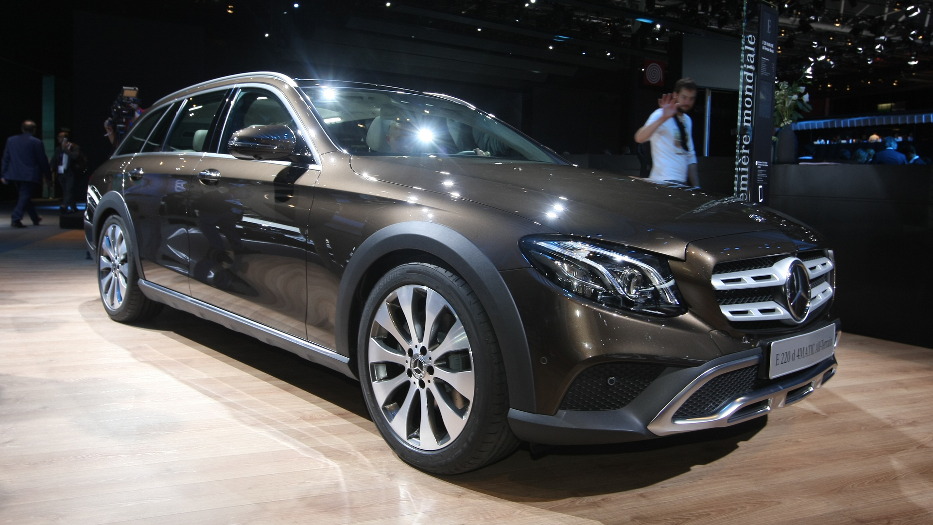 mercedes e class all terrain might just be all the car you 39 ll ever need. Black Bedroom Furniture Sets. Home Design Ideas