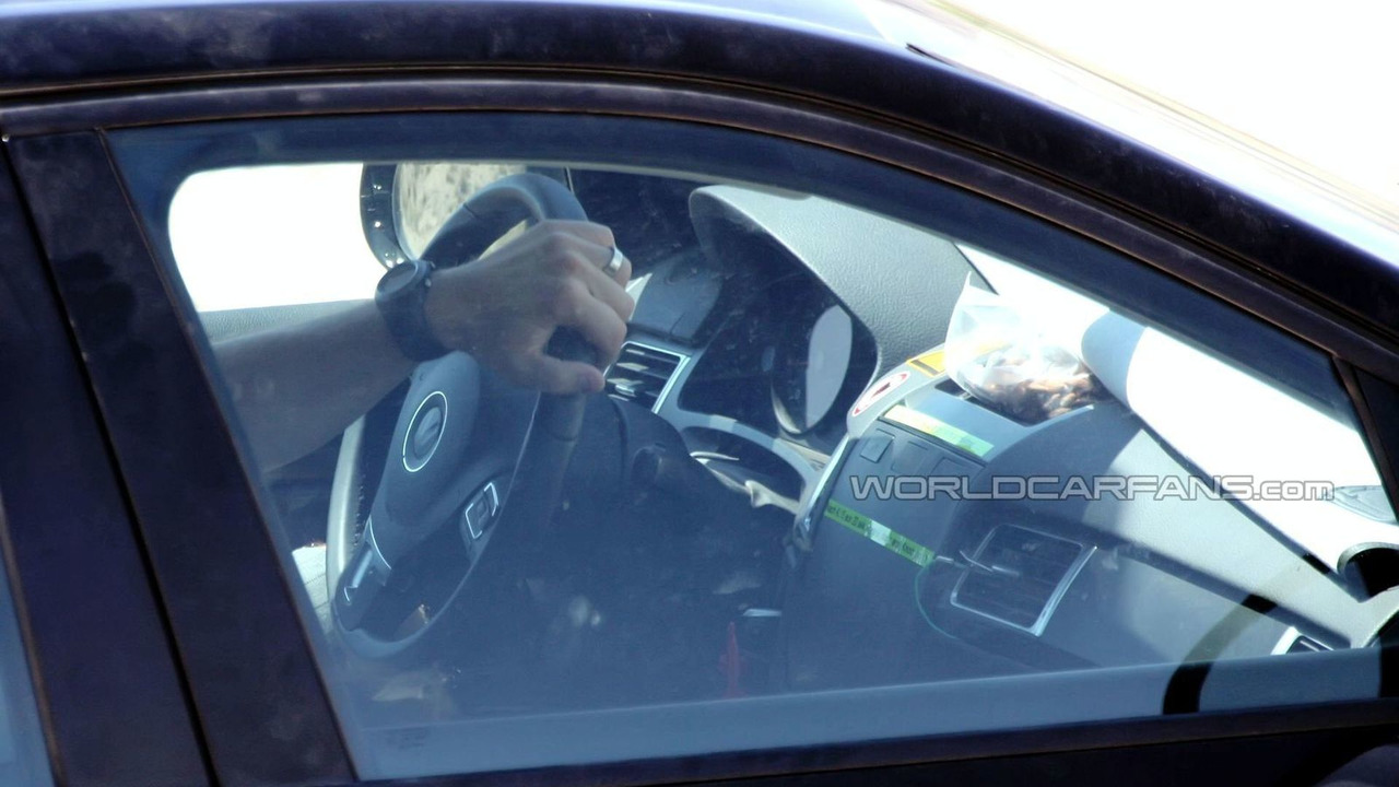 2011 VW Touareg first interior spy photos