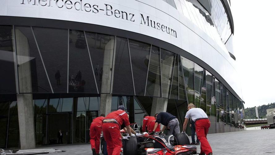 Lewis Hamilton's McLaren MP4-23 Arrives at the Mercedes-Benz Museum