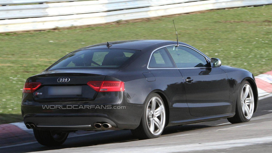 Audi S5 facelift spied undisguised