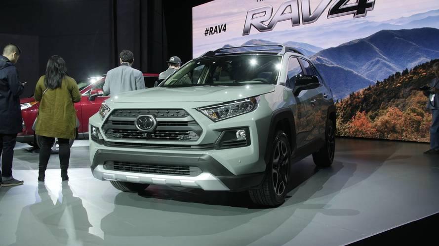 Next Generation Toyota Rav4 >> Watch Toyota Reveal The All-New RAV4 In New York