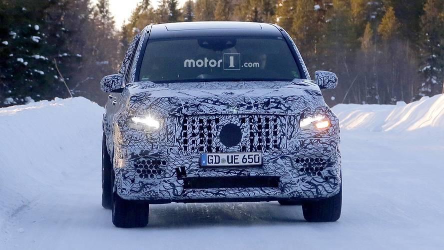 New Mercedes-AMG GLS 63 spy photos