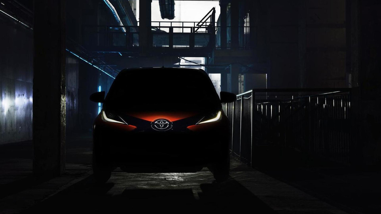 2014 Toyota Aygo teaser photo