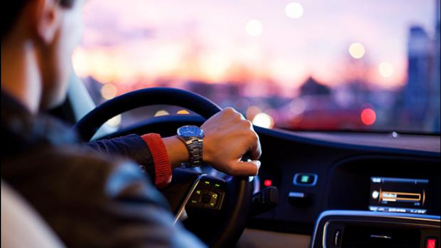 Auto aziendale, sempre più connessa e sostenible