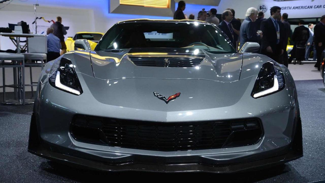 2015 Chevrolet Corvette Z06 live at 2014 NAIAS