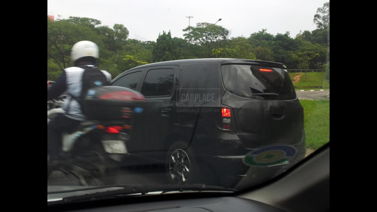 Chevrolet Spin: Leitor flagra o modelo rodando em SP