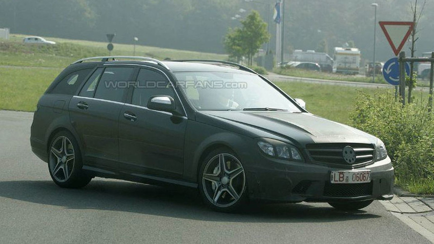 SPY PHOTOS: Mercedes C 63 AMG Wagon
