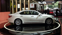 Lexus LS600h at Paris