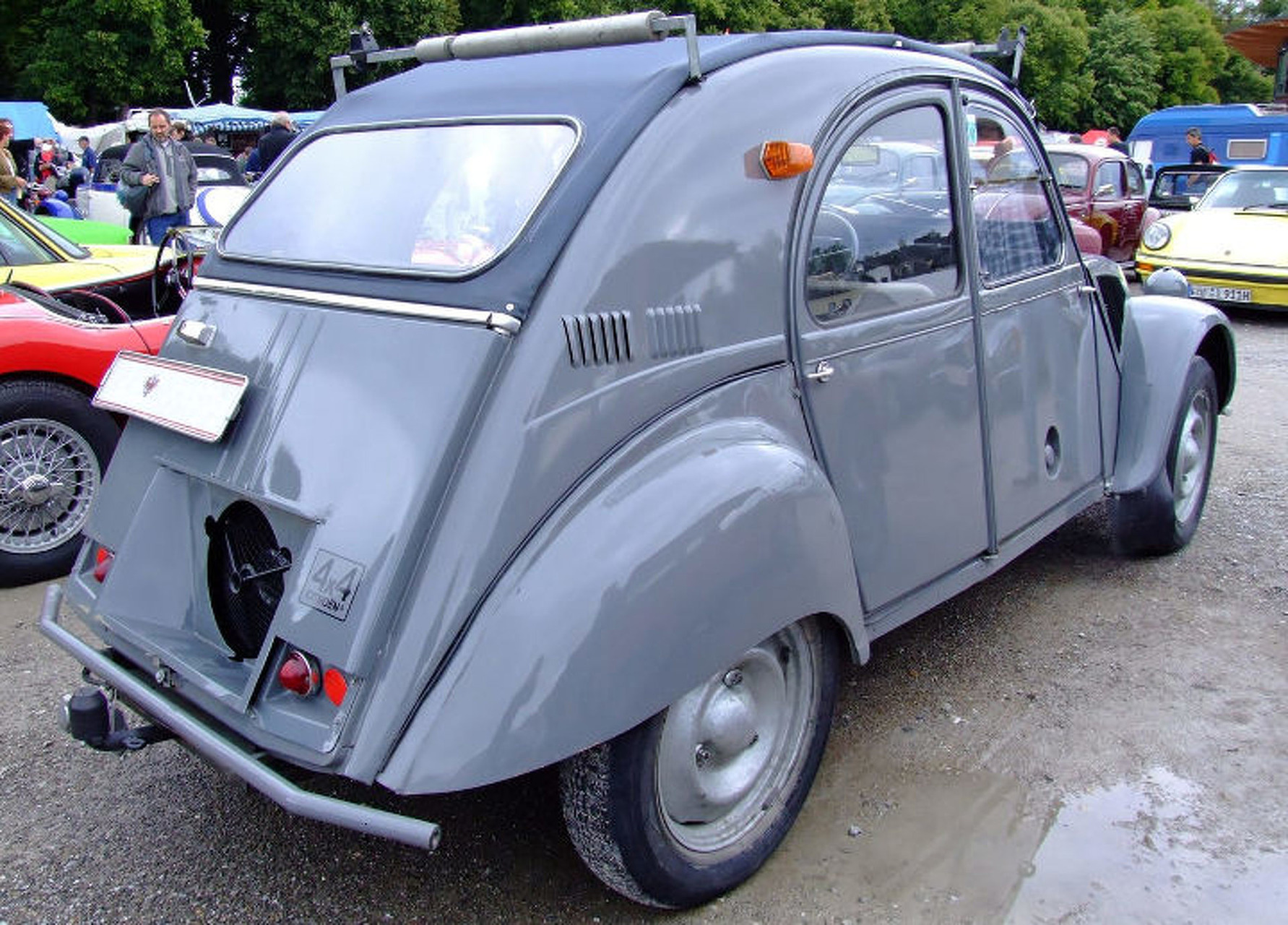 Citroen 2CV Sahara is a Most Unlikely French Off-Roader