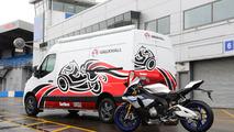 Vauxhall Vivaro Race Van ve Movano Race Van konseptleri