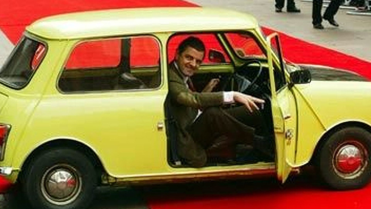 mr bean jumps in morgan aeromax photos. Black Bedroom Furniture Sets. Home Design Ideas