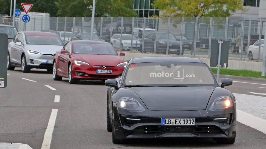 Porsche Mission E - Flagra