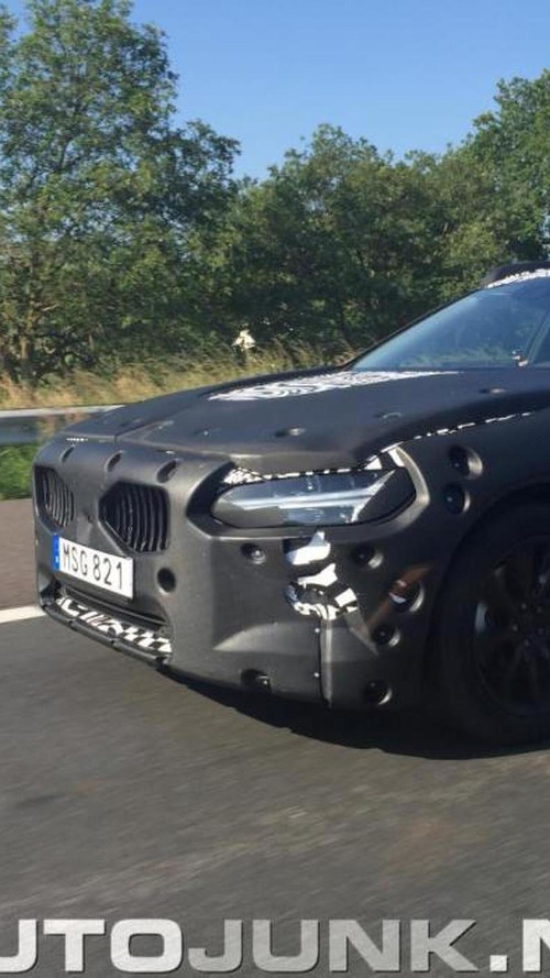 Volvo S90 spied again hiding production headlights