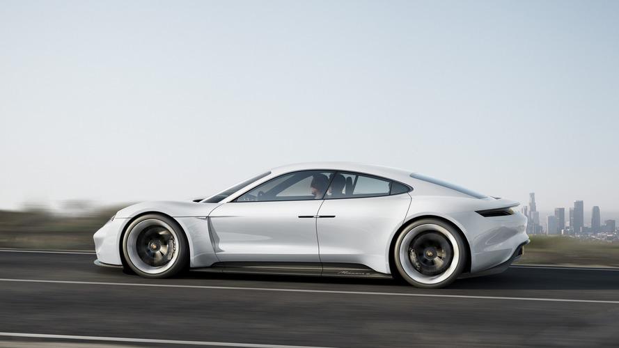 2023-ra minden második értékesített Porsche elektromos-meghajtású lehet