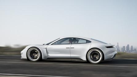 DIAPORAMA - Tout ce que vous devez savoir sur la Porsche Taycan
