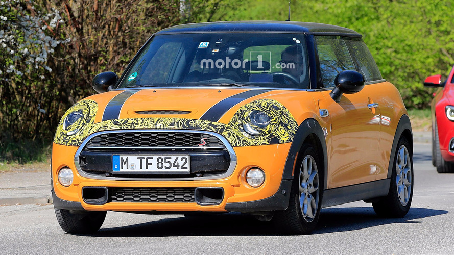 Refreshed Mini Hardtop Spied With Tweaked Lights
