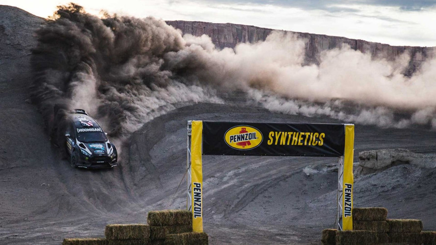 Vídeo - Ken Block transforma deserto em parque radical