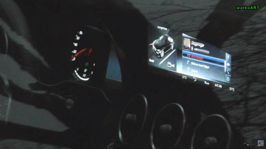 Mercedes C-Class 2018 spied at dusk with new infotainment screen