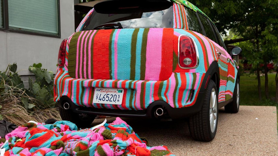 MINI Countryman gets yarn-bombed