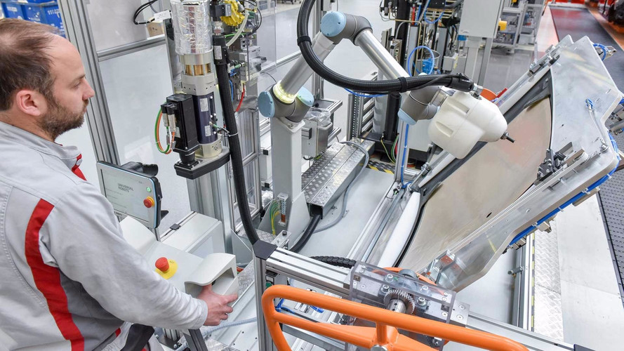 Audi Frees Robots From Cage, Puts Them To Work With Humans