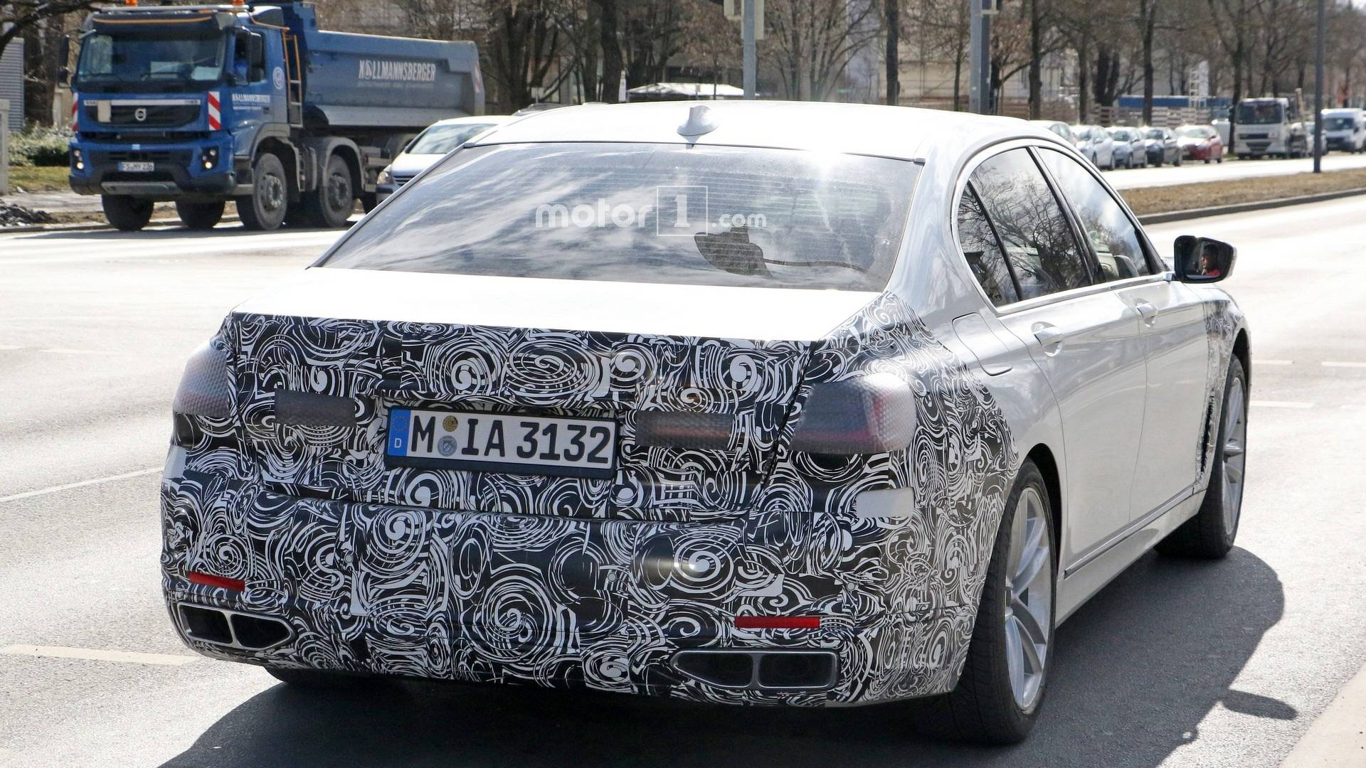 2019-bmw-7​-series-fa​celift-spy​-photo