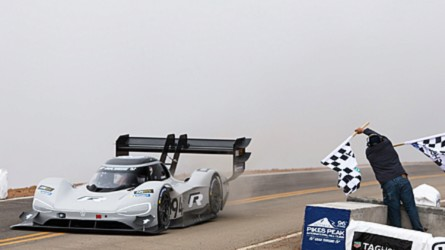 Pikes Peak - történelmi rekorddal zárt az elektromos-meghajtású Volkswagen I.D.R