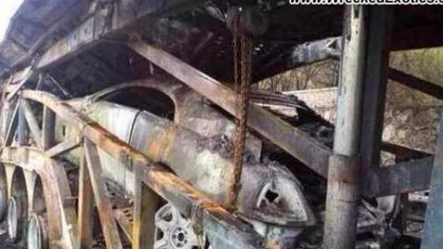 Trailer catches fire in China, Rolls-Royce Wraith burns to the ground