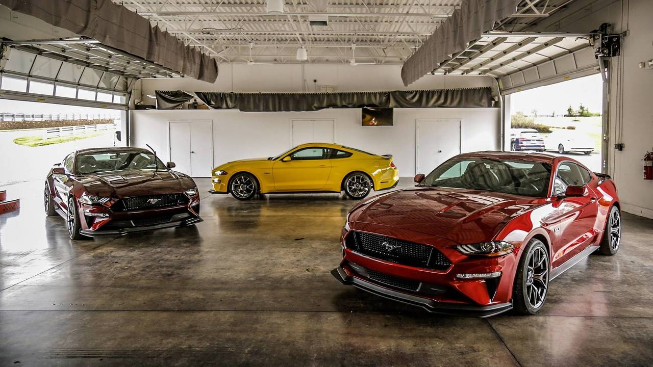 Shelby Cobra Gt500 2017 >> 2018 Ford Mustang GT Performance Package Level 2 First Drive: A Value-Priced GT350