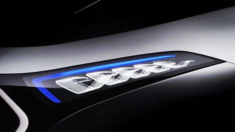 VIDÉO - La Mercedes-Benz EQ A se montre encore plus