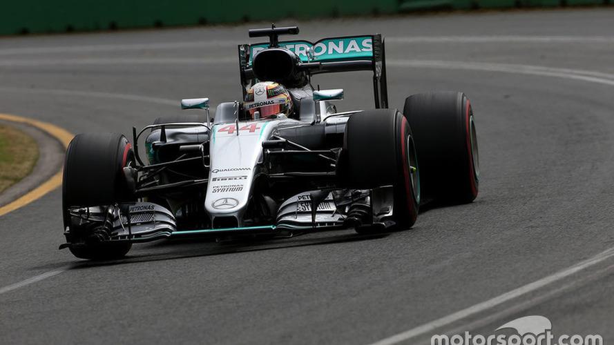 Australian GP: Hamilton scores first F1 pole of 2016
